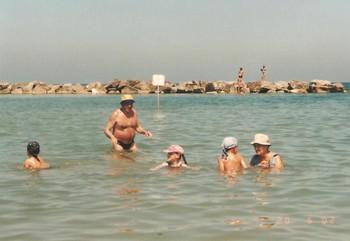 Itálie 2002 moře, my a děti