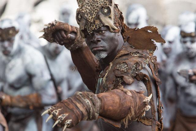 Lidojeda si skvěle střihl Djimon Hounsou
